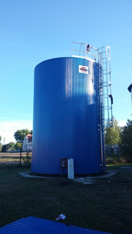 zbiornik wyrównawczy na wodę pitną - konstrukcja ze stali nierdzewnej